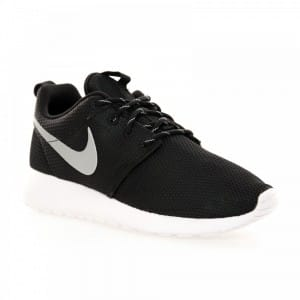 nike-womens-roshe-run-trainers-black-white-metallic-silver-p7030-34070_zoom