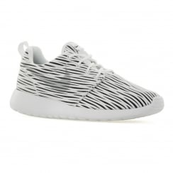 Nike Womens Roshe One Engineered Trainers (White/Wolf Grey)