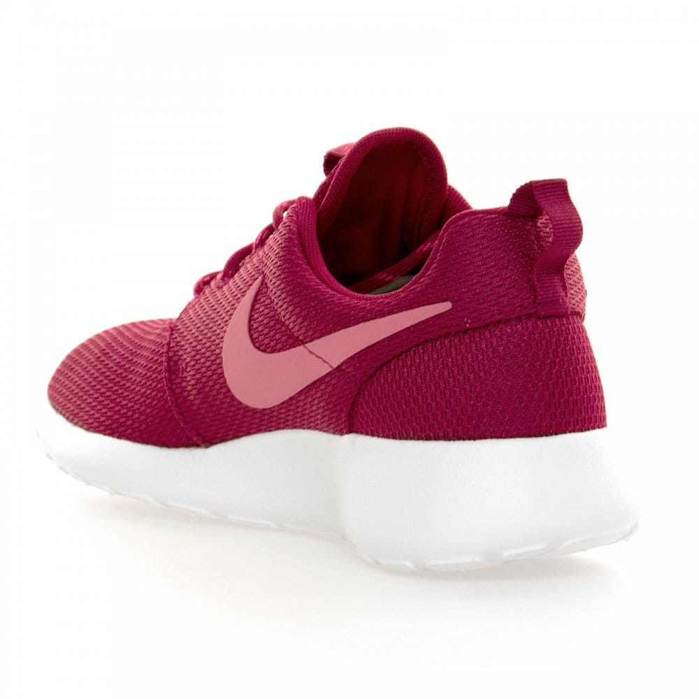 nike nike womens roshe run trainers fireberry pink pink. Black Bedroom Furniture Sets. Home Design Ideas