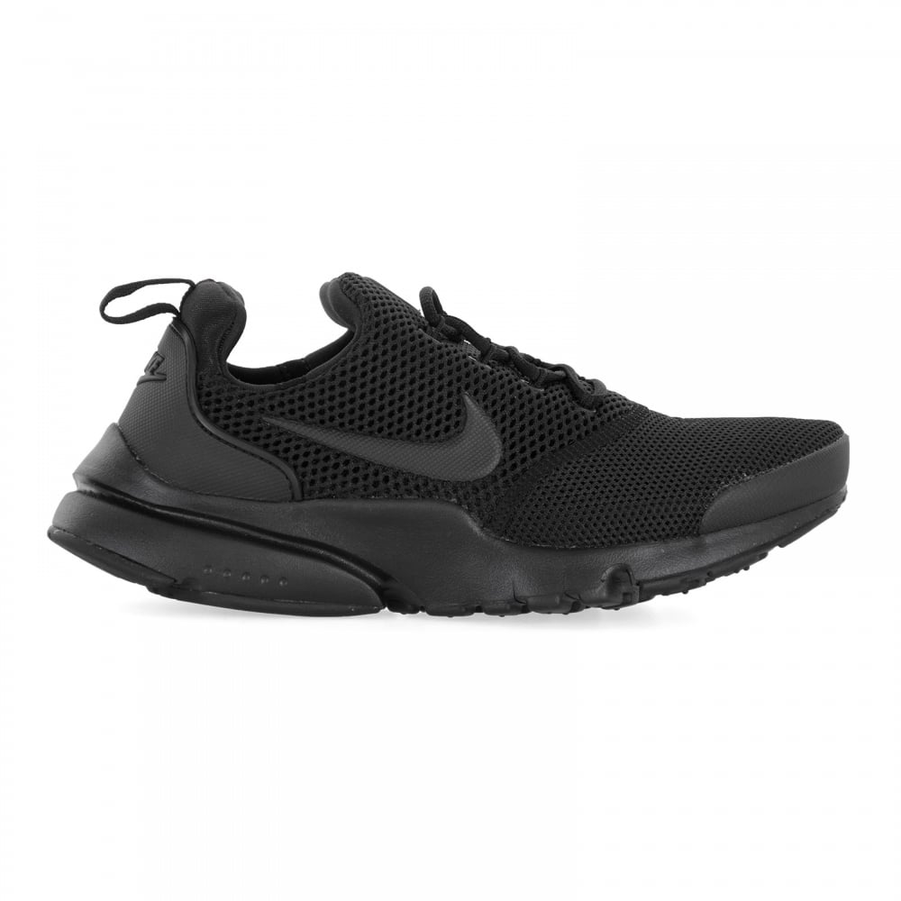 23a42f53790df Nike Youths Presto Fly Trainers (Black) - Kids from Loofes UK