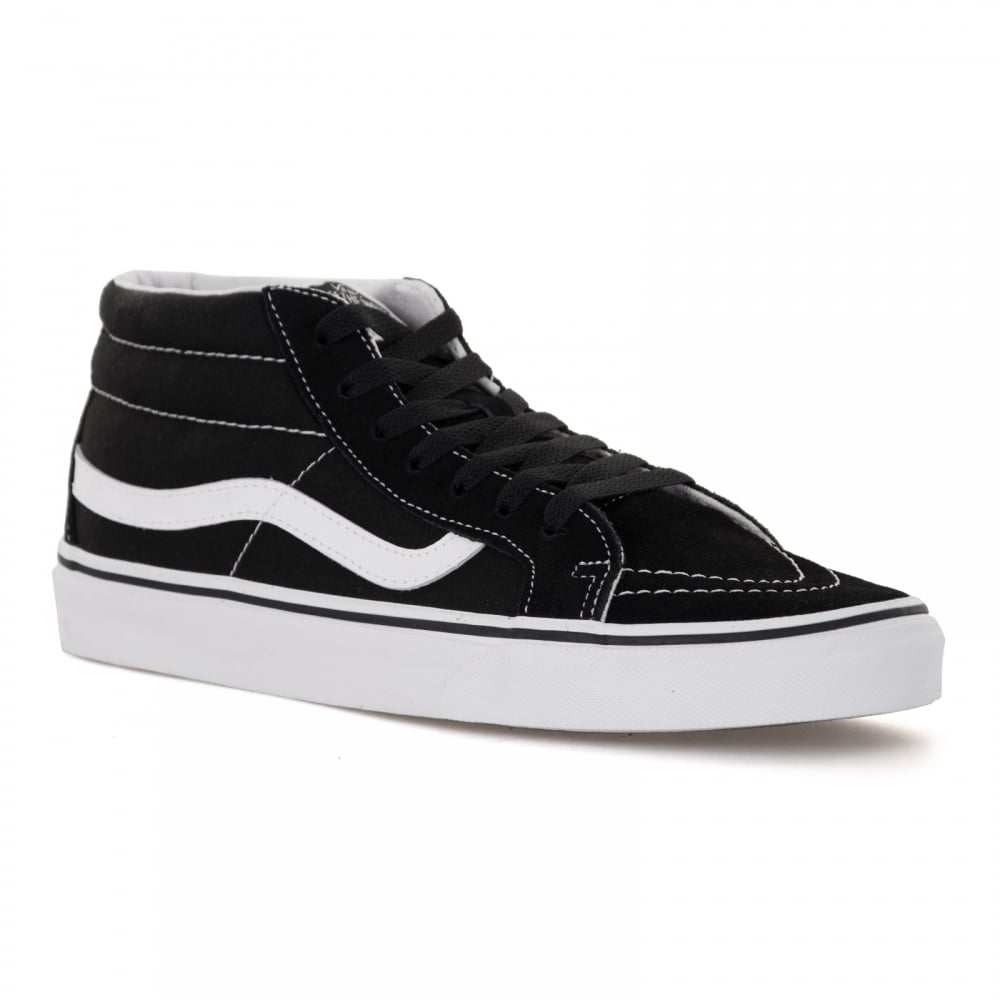 vans black and white trainers